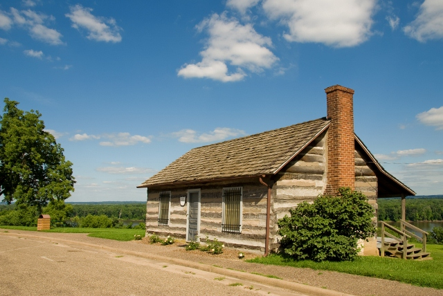 Log Cabin at Crapo - Burlington, Iowa